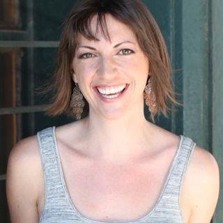 {e09} Online Programs, Offline Marketing with Jen Morris