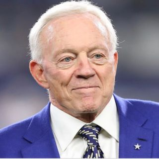 Are the Dallas Cowboys the favorites to win the NFC?