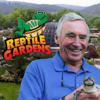 EPISODE #18:  THE WORLD'S LARGEST REPTILE ZOO!  with Johnny Brocklesby