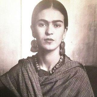 Café Bleu - Scrittori sopra le righe - Frida Kahlo!