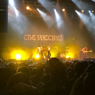 #AntesDeUnConcierto - The Vaccines en el Pepsi Center