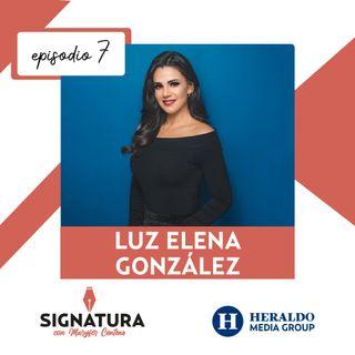 Luz Elena González muestra su carisma a través de su letra | Signatura