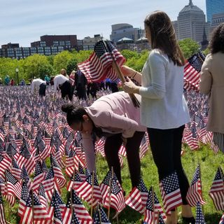 Patriots Players, Volunteers Plant 37,297 Flags On Boston Common