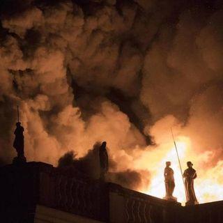 Incendio a Rio