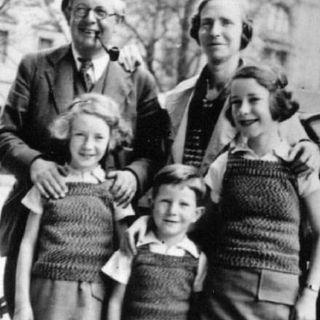 5 Minutos De Jean Piaget E o Desenvolvimento Infantil