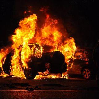 Что делать, если загорелся автомобиль