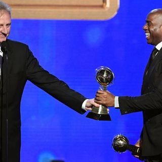 Celtics, Lakers Greats Larry Bird, Magic Johnson Share NBA Lifetime Achievement Award