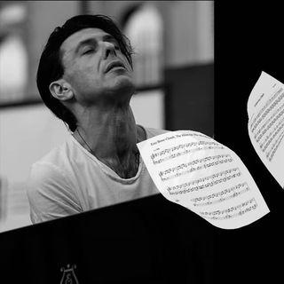Un anno senza Ezio Bosso, il pianista all'occorrenza, che volava unconditioned, following a bird