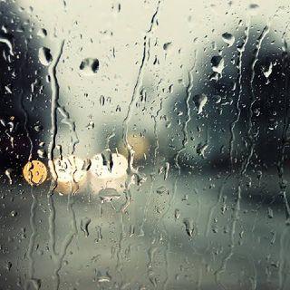 AudioPoema: 'Llueve...' de Pablo Neruda.