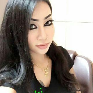 Nepali Tarkariwali Kusum Shrestha Sanga Ko Phone Ma Kurakani With My Best Sis Best Rj Sabina Karki