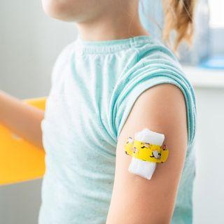 Testati vaccini per i ragazzi, ora manovra a tenaglia