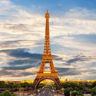 Stare in fila a Parigi