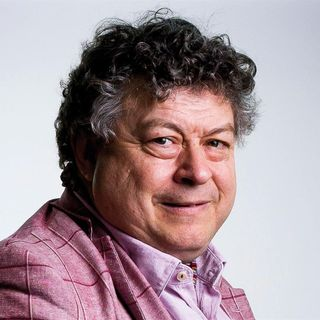 Episode 43 - Rory Sutherland on Compliance