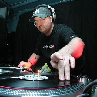 The Love House with Jay B on Bondi Radio: The DJ Dan Takeover 1pm - 2PM 291120