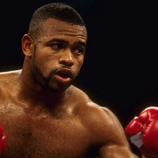 Inside Boxing Weekly:The Career of Roy Jones and Boxing News