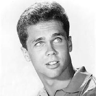 "Tony Dow (Wally) from"" Leave It To Beaver"" and now sculptor"