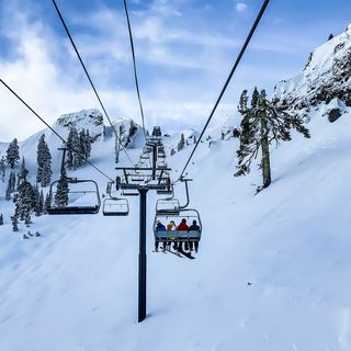 Montagna sotto shock: il ministro Speranza stoppa lo sci