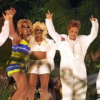 Lil- Kim ft. Missy Elliott, Da Brat, Left Eye, Angie Martinez - Ladies Night (Not Tonight Remix)