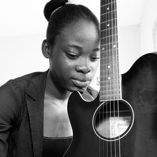 FEMME A LA GUITAR kraze festival la 🎸🙌🔥 ¦ Je Vivrai live 6-8-2019 ¦ 4 Gospel Ent.