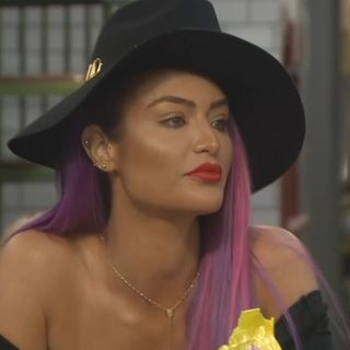 Celebrity Big Brother US 2: Greased Highlighting