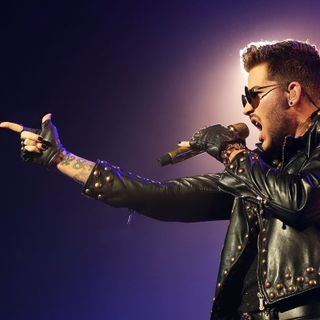 Adam Lambert Calls to Chat!