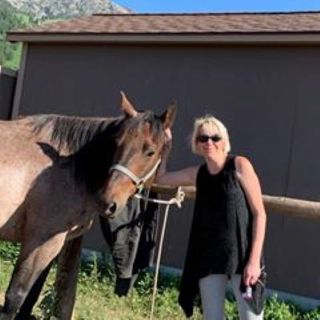 Ladies Afternoon at the Farm with Tracey Chirhart