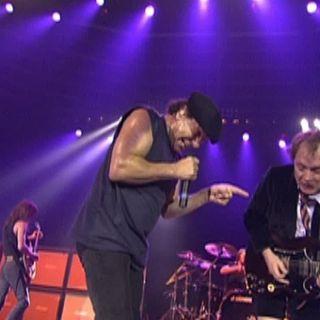 AC-DC - Stiff Upper Lip (Live at the Circus Krone, Munich, Germany June 17, 2003)