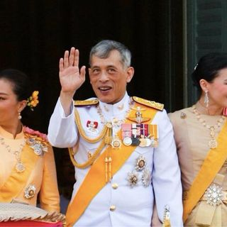 Cattività 14 - Sua maestà la quarantena (Rama XX, Re della Thailandia)