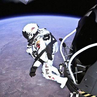 69 - Vi buttereste nel vuoto da 39mila metri d'altezza? Una persona l'ha fatto: Felix Baumgartner. Scopriamo cosa c'è sopra le nostre teste.