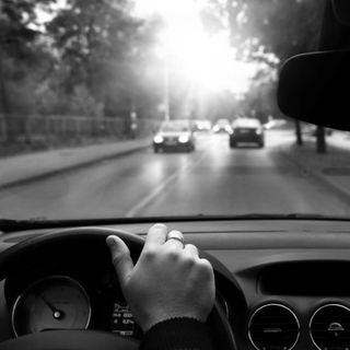 La prima volta alla guida di un'auto