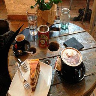 Las cafeterías, un lugar para compartir de todo
