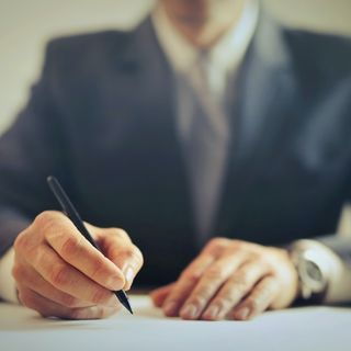 5 Tips to Help You Become a Successful Lawyer Out of School