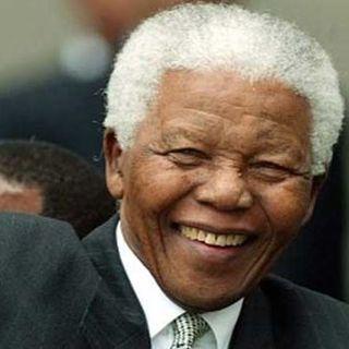 Nelson Mandela: Inspirador de luchas de claveles blancos en  calles teñidas de rojo