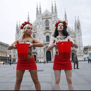 #sgp Tutte nude in piazza