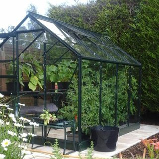 Halls Qube Greenhouse Reviews