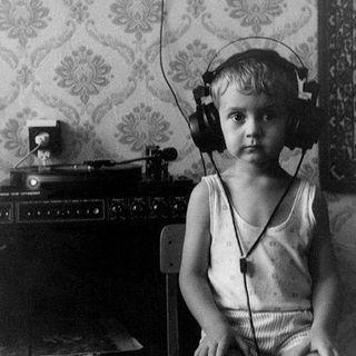 Il Manuale Musicale dei Sensi - Wolfbox Quattro - Ascoltare