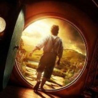 FILM GARANTITI: Lo Hobbit - Mezzo uomo, grandi virtù (acquisite con sforzo e sacrificio) (2012-2014) ***