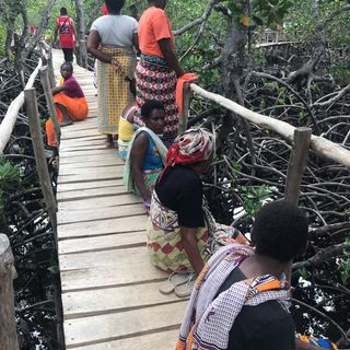 KENYA: ENJOY THE SENSE La Vera Vita Local Tra Canti E Pulizie