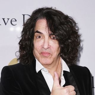 KISS Frontman Paul Stanley & Gunner's KISS Coffin Idea!