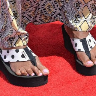 Petty Betty Chronicles Presents: Gayle King's Feet Roast Session.🌋🌋🌋
