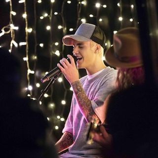 Justin Bieber Live at The Edge Intimate & Acoustic.