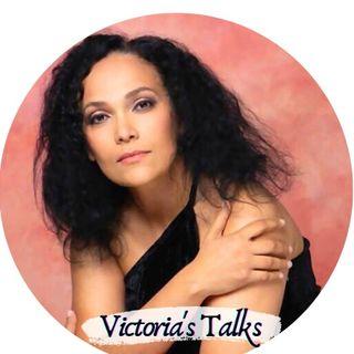 Victoria's Talks , num.102 con Daniel Kharitonov. En RUSO& ESPAÑOL simultaneaménte.