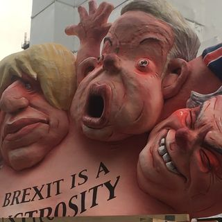 Brexit - MAY day Downing St suggerisce le dimissioni . Ne parliamo con Maurizio Carta