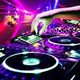Classifica dell'Estate di DJ Marco Greco. I  brani da ballare in spiaggia per un' estate di divertimento..