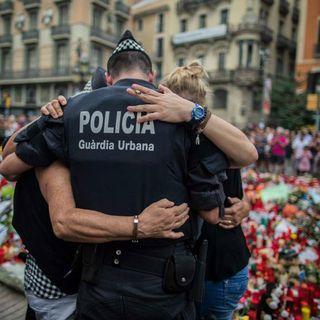 Conmemoran atentados en Cambrils y Barcelona