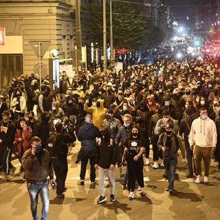 Rivolte contro coprifuoco in Italia!