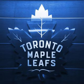 Maple Leafs Round Table - White, Morassutti, Owens