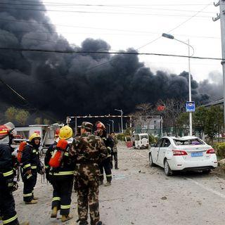 S02E25 - L'esplosione a Yancheng scopre una contraddizione