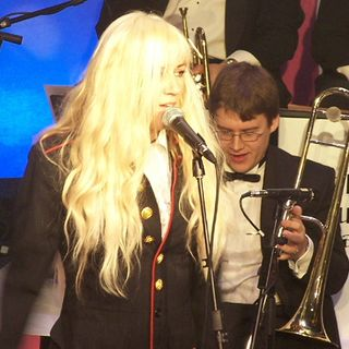 Harry & Edna on the Wireless are joined by Debbie Curtis the UK's only female big band leader