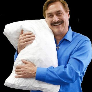 Lo que Diejo Mike Lindell el Pillow man. Trump regresara an Agosto